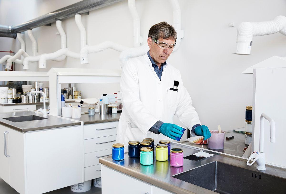 Nyt forskningsprojekt vil minimere biocider i maling