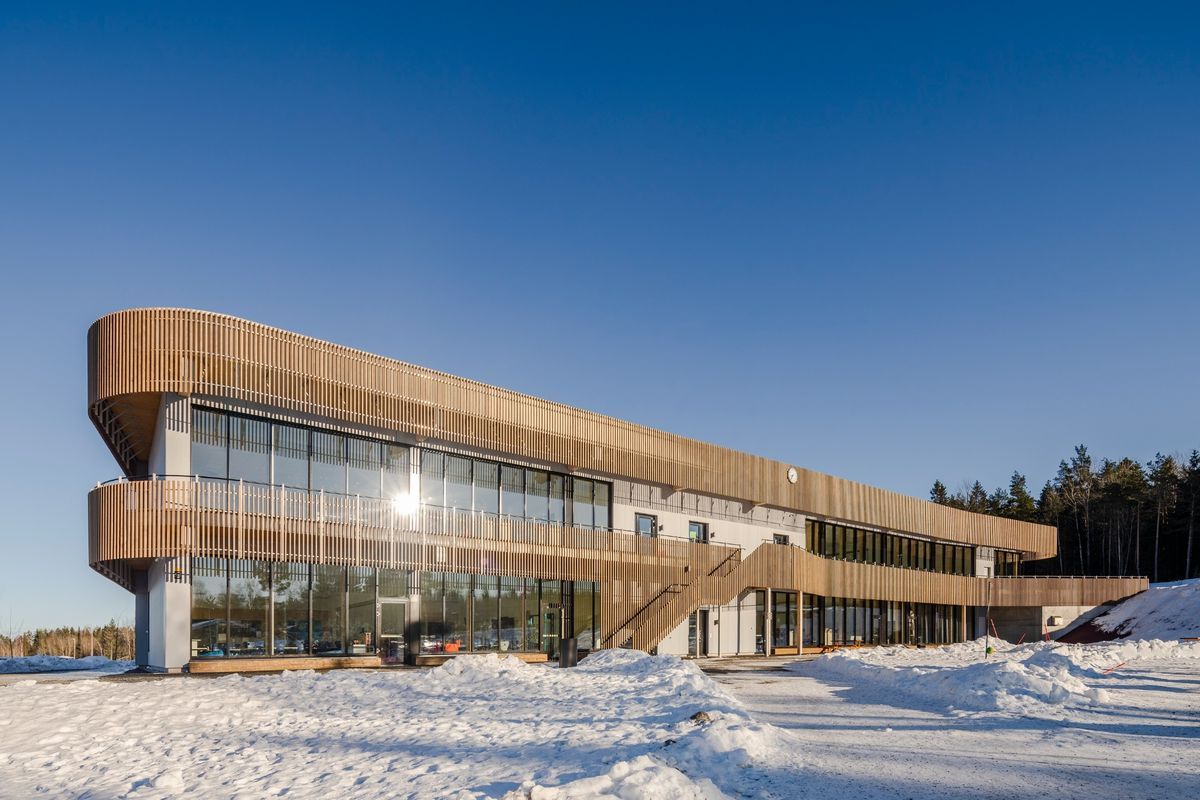 Årets skole i Norge har dansk facadeløsning