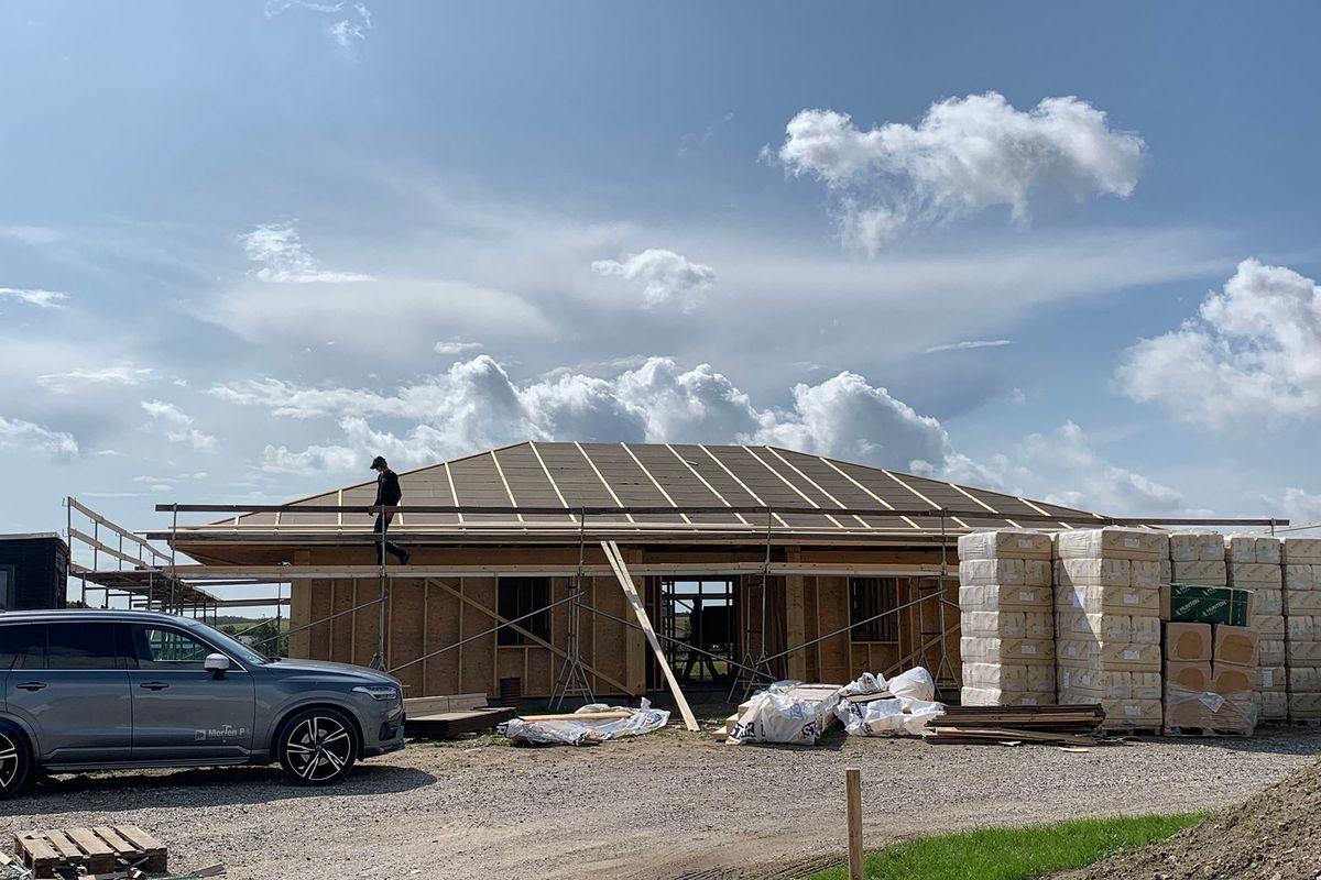 Byggeriet af verdens første PEFC-certificerede familiehus er i gang