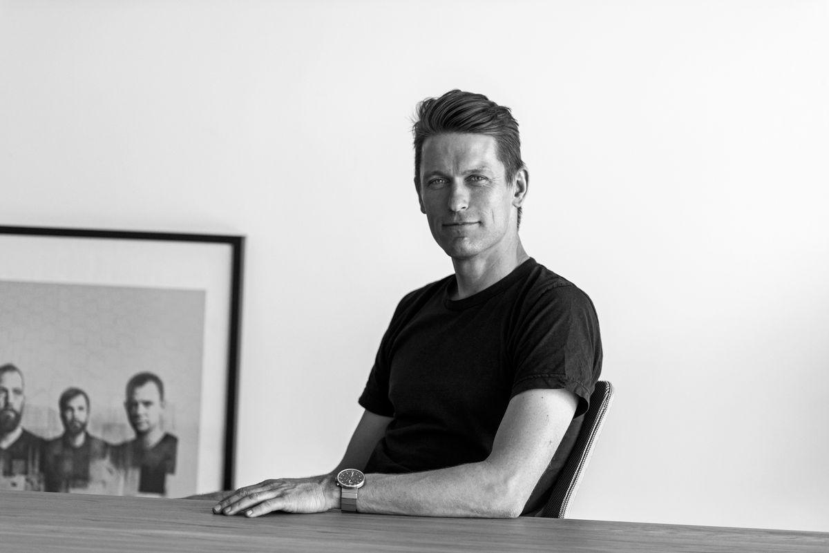 Dansk møbeldesigner vinder Guld på NeoCon-messen i Chicago