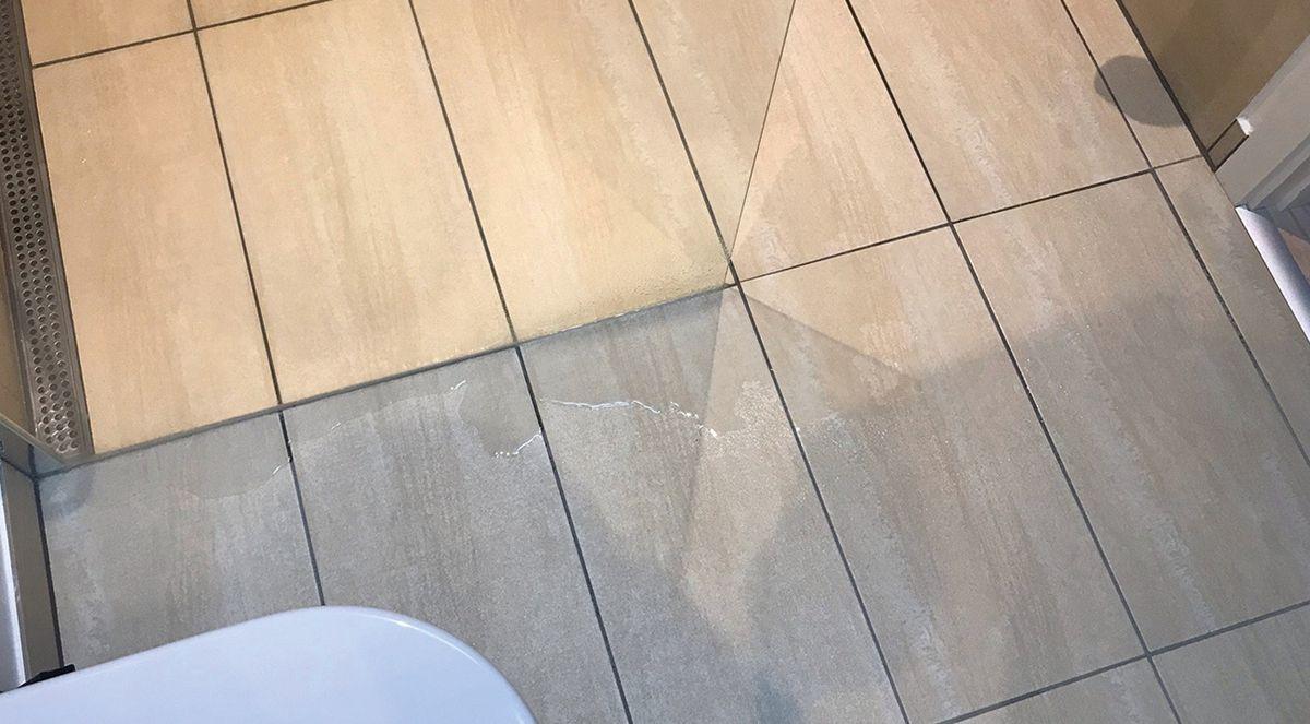 Hvilke regler gælder for fald og vandtætning i vådrum?