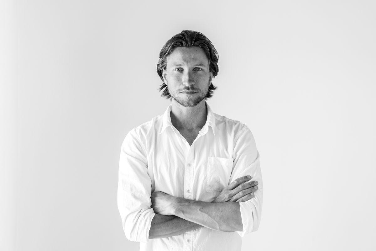 Portræt af Rasmus Hjortshøj: Kurateret natur og urbant hinterland