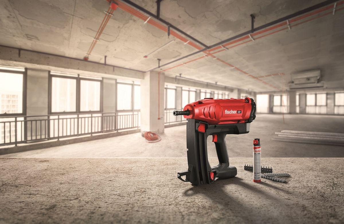 Gasdrevet sømpistol sikrer hurtig fastgørelse i beton