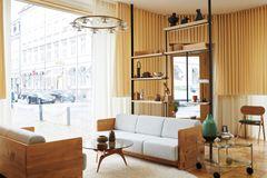 Brdr. Krüger åbner nyt showroom med Nuura som belysningspartner