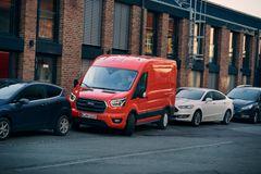 Fords nye varebiler giver hjælp til parkering