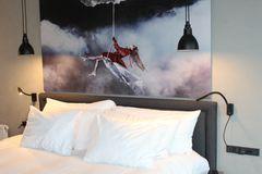 Scar-led lamper på Radisson RED Hotel
