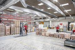 Tekstilbaserede ventilationskanaler forbedrer produktionsklimaet hos Danfoss