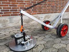 Håndterbar og praktisk løftevogn til dæksler
