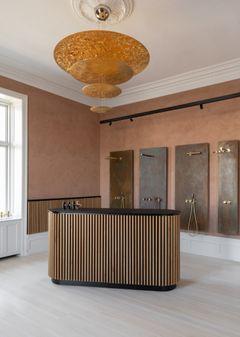 Et herskabeligt showroom til VOLA – med hilsen til Arne Jacobsen