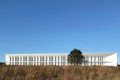 Larson-facadeplader understreger knivskarp arkitektur