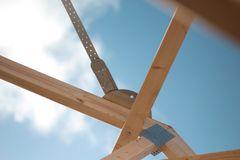 Tidsbesparende vindafstivningssystem skabt sammen med håndværkerne