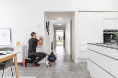 Ny smart home-løsning til det bæredygtige hjem fra Schneider Electric