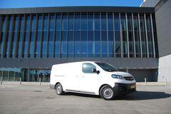 Test af varebil: Elektrisk Opel med hurtiglader-trumf