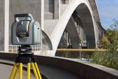 Robotstation og scanner bringer landmåling og 3D-scanning sammen
