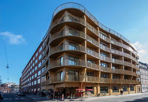 Kunstfærdigt og elegant: Guldhuset lyser Aarhus op