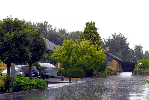 Voldsomme regnskyl angriber vores huse