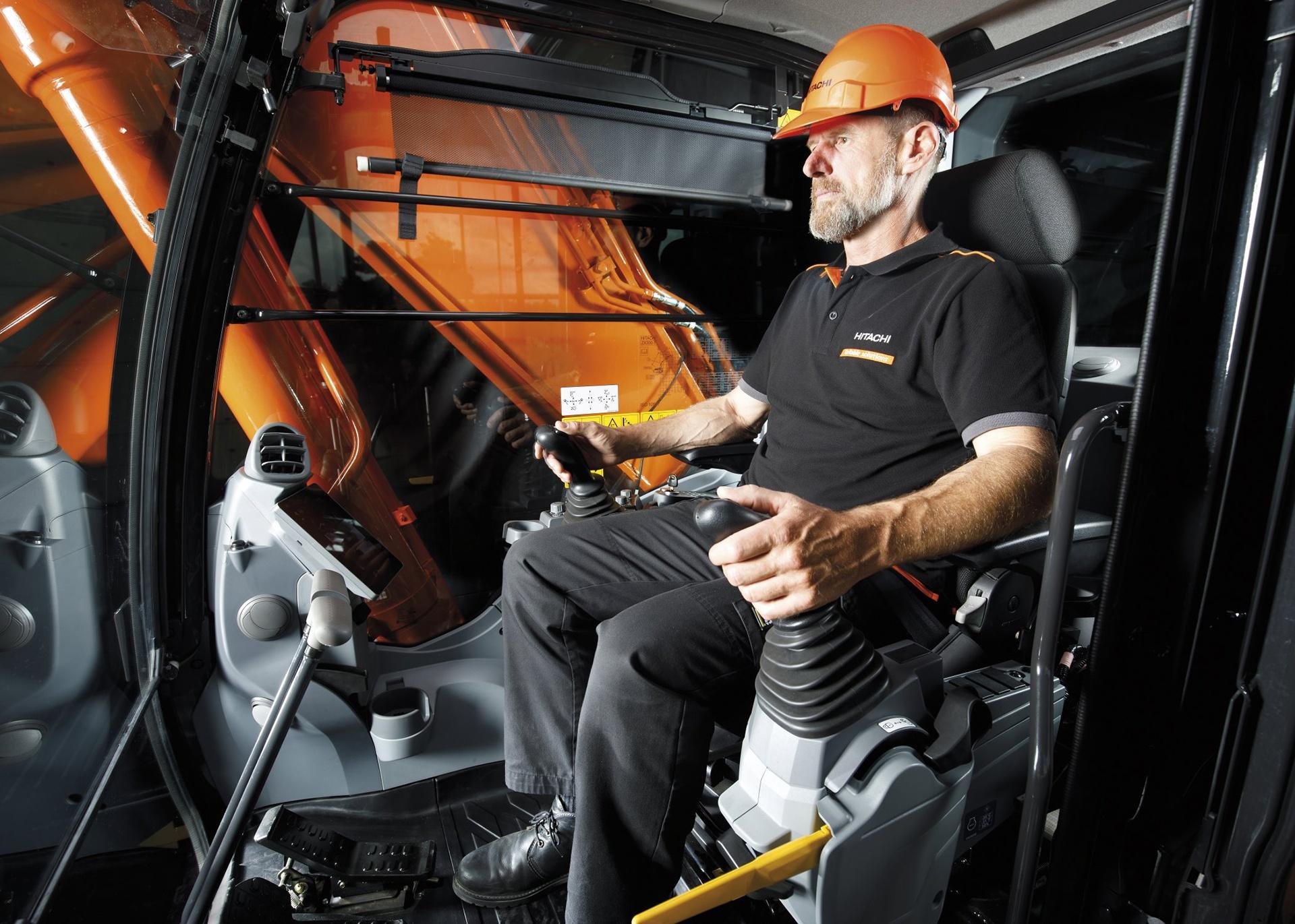 Brugeroplevelse og indtjening er afgørende i ny generation af Hitachi gravemaskiner