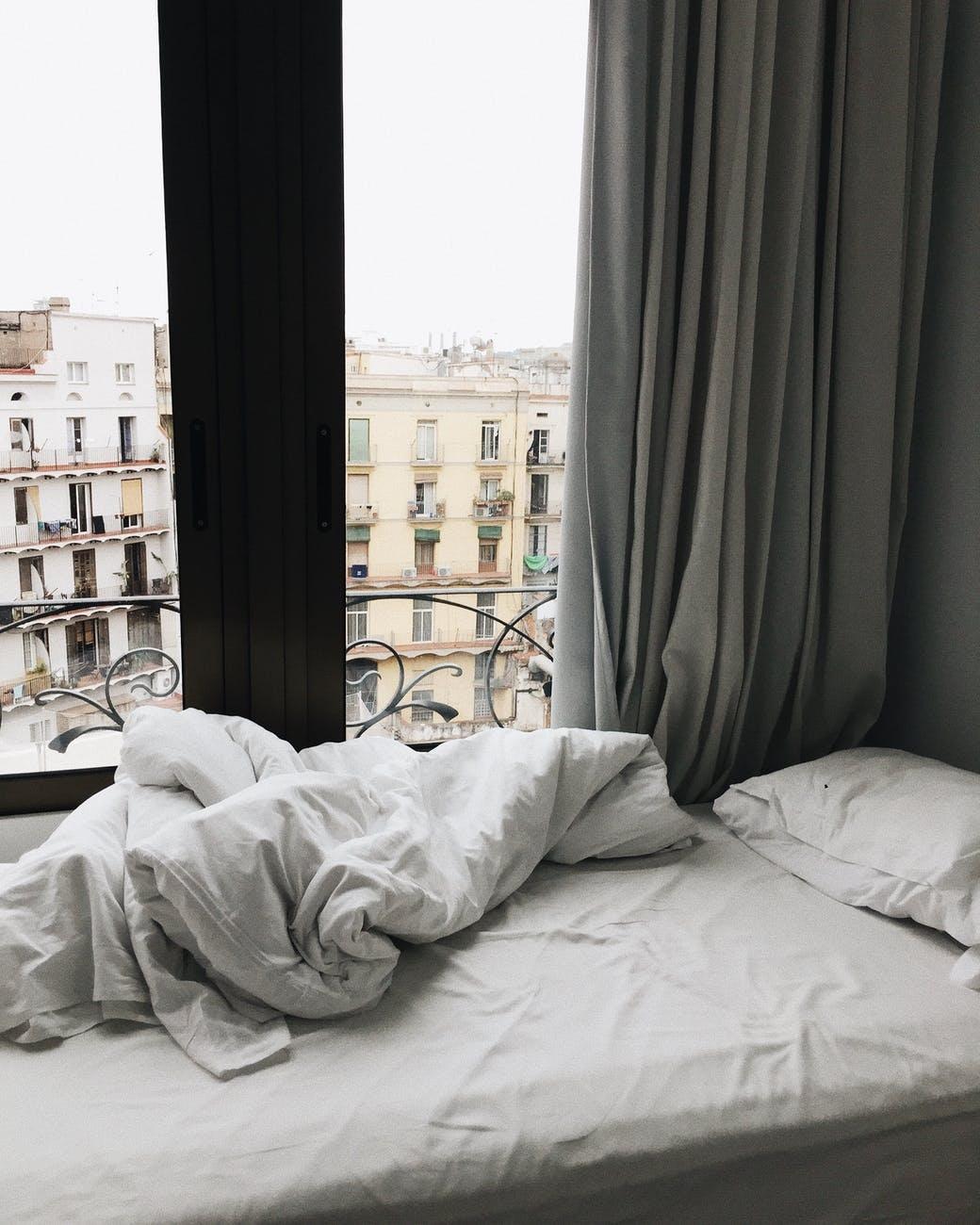 Få en bedre nattesøvn med mørklægningsgardiner