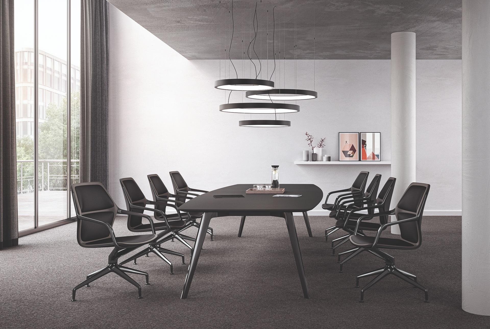Den nye ray fra Brunner: Usædvanligt moderne konferencestol