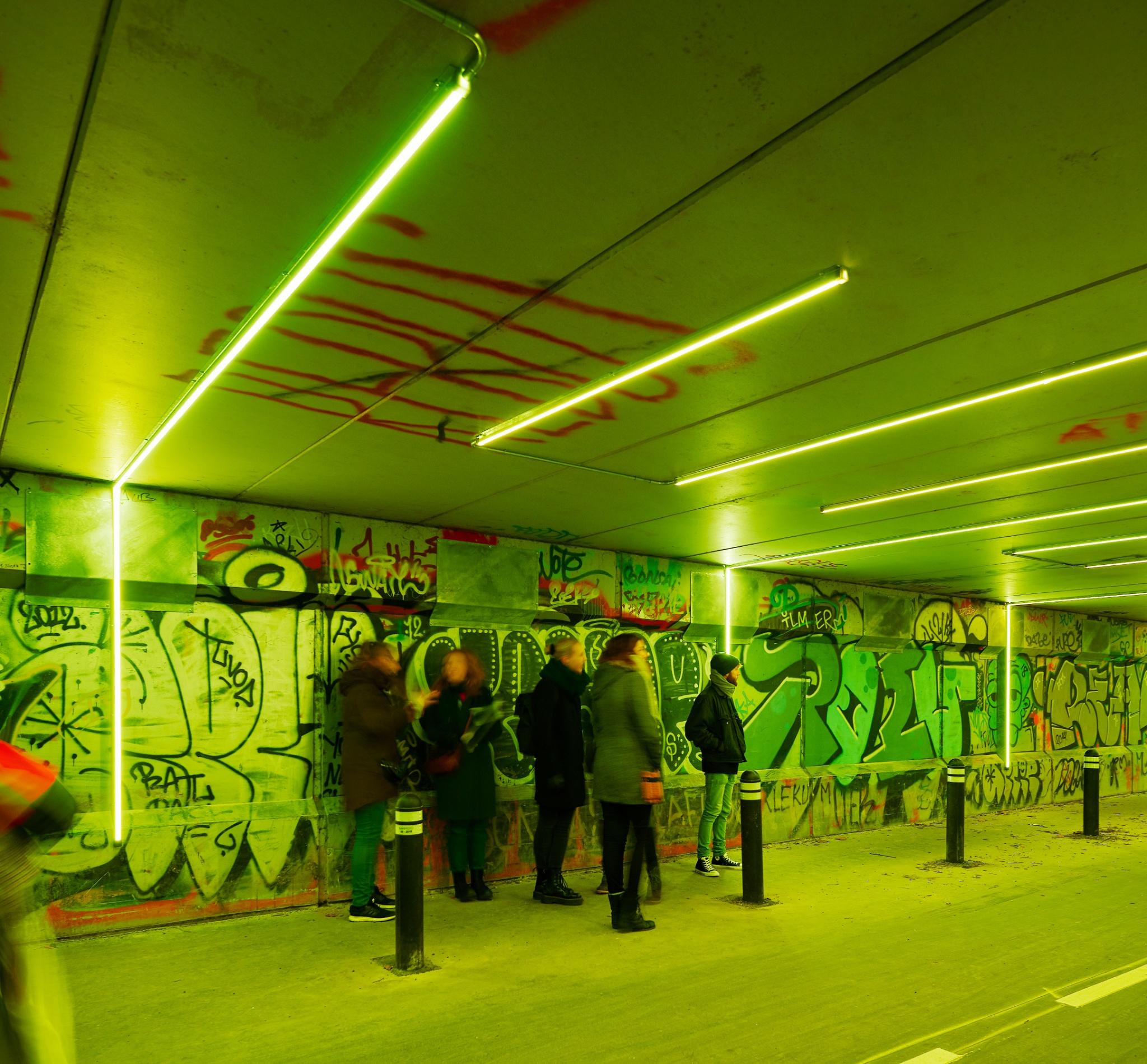 Interaktivt lys øger trygheden i byer — bygherre kan selv ændre farverne