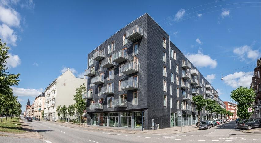 Fælledgården – Cupaclad ventilerede facader i ægte naturskifer, forener bæredygtighed og æstetik