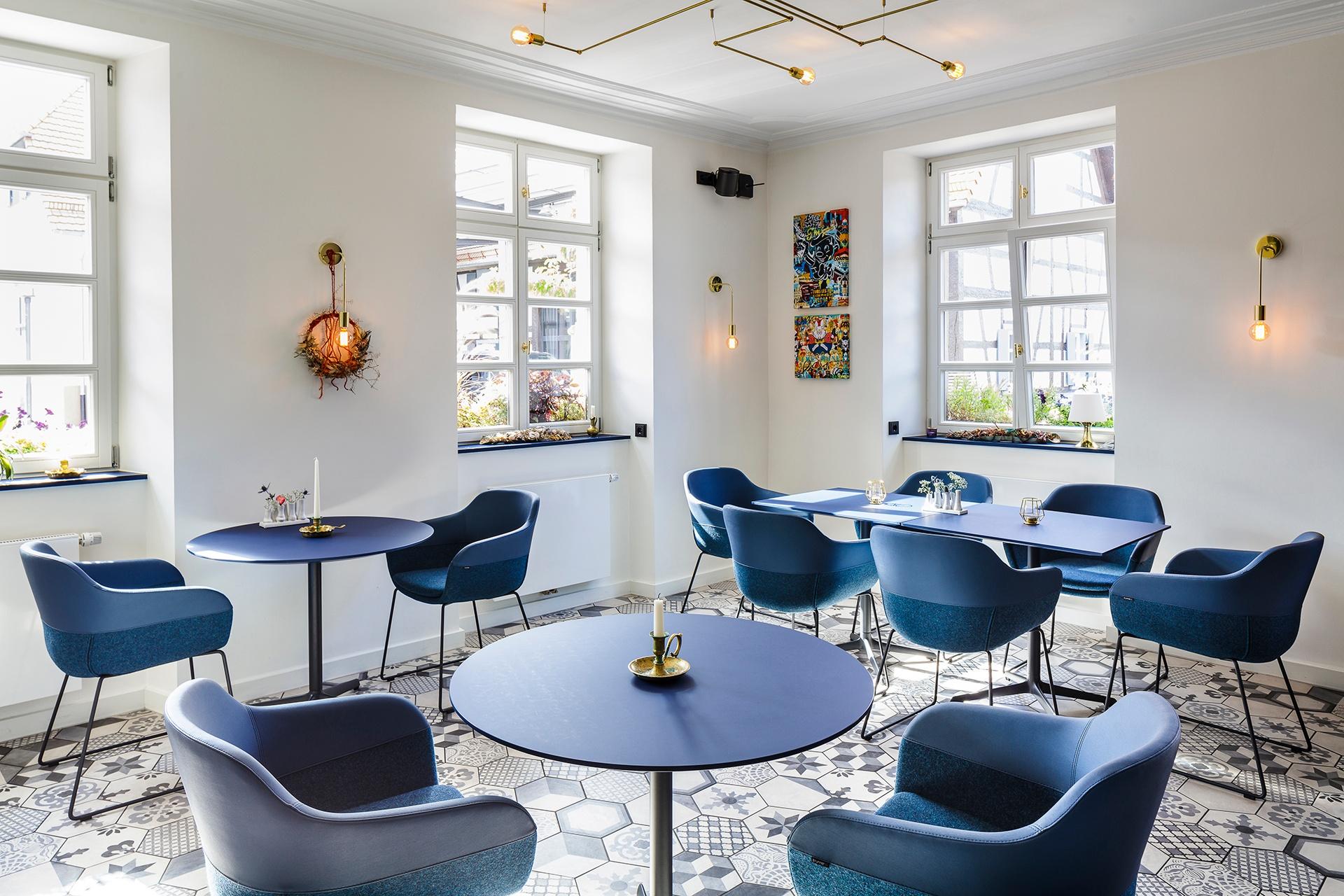 Restaurant med sjæl og charme er indrettet med møbler fra Brunner