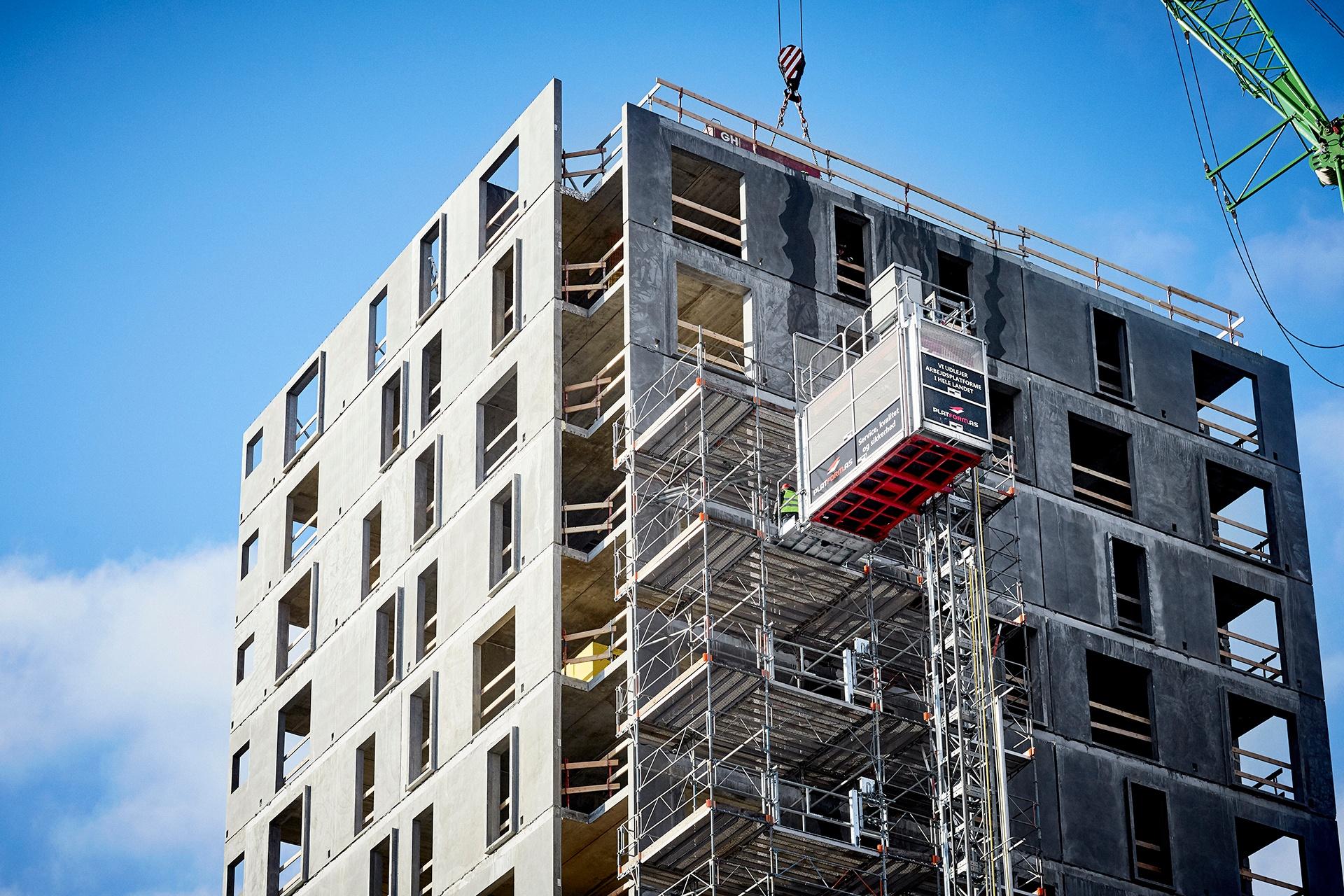 Optimer jeres højhusbyggeri med et kraftfuldt person- og materialehejs