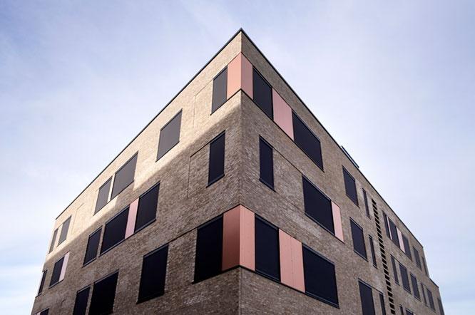Effektiv solafskærmning leveret til SOSU Horsens