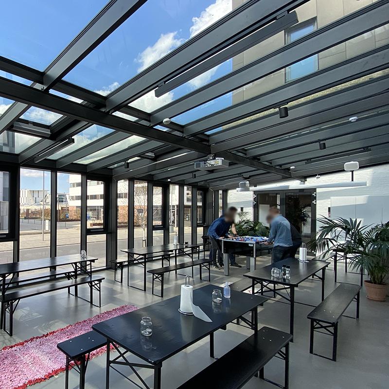 Minimalistisk og fleksibel belysning skabt i moderne kontormiljø