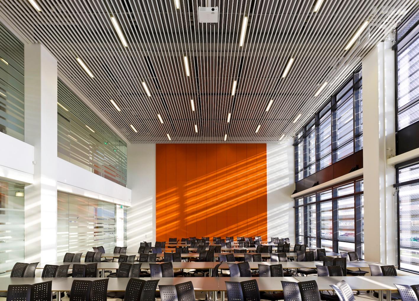DAMPA skaber designfleksible akustikløsninger til en ny tids skoler