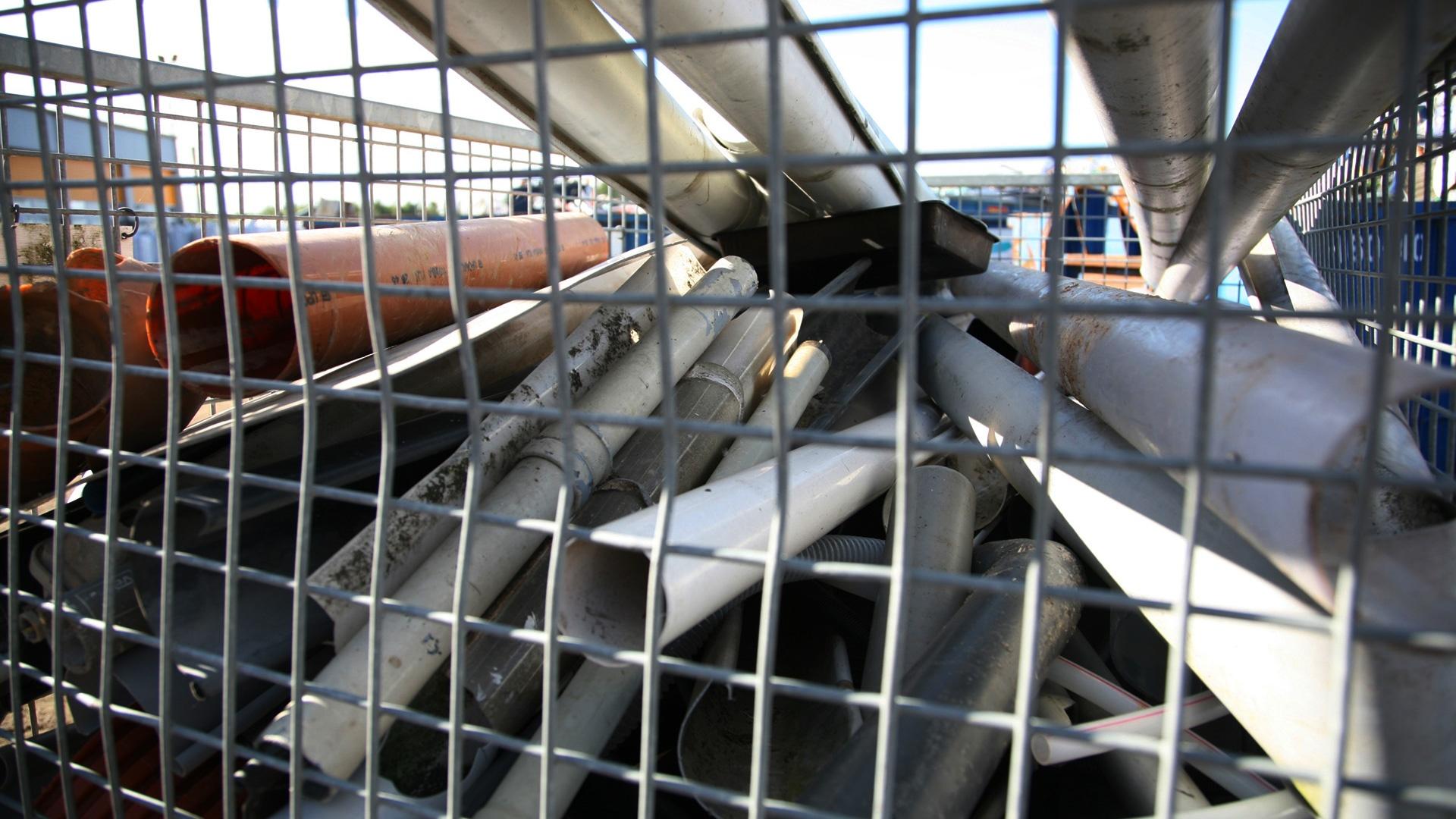 WUPPI-PVC-affald-i-bur