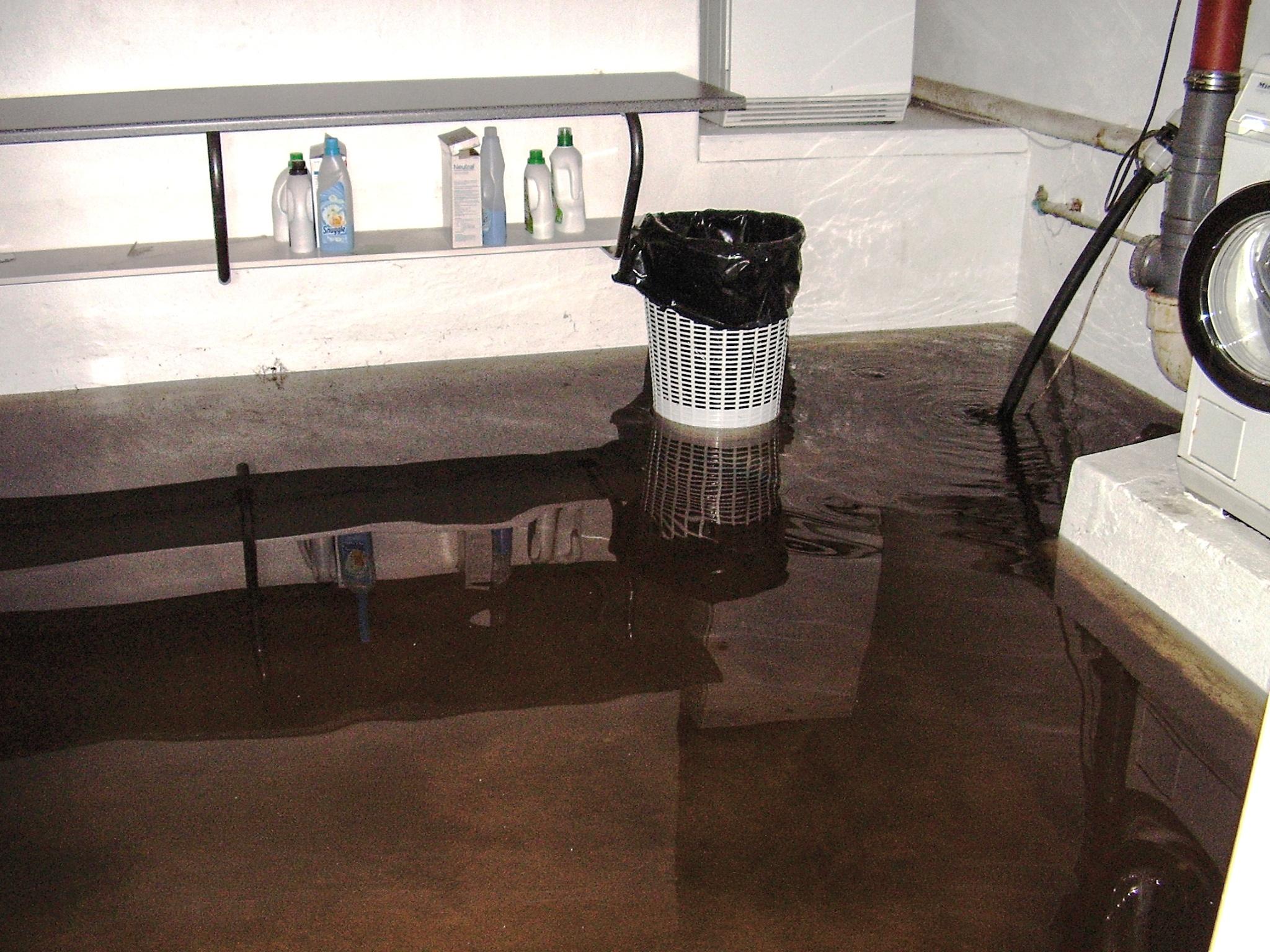 Kælderoversvømmelse – redigeret