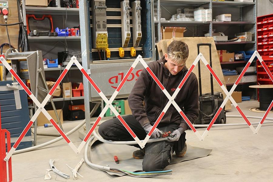 Ingen-slinger-i-sikkerhedsvalsen-hos-Ajos-3-900x600