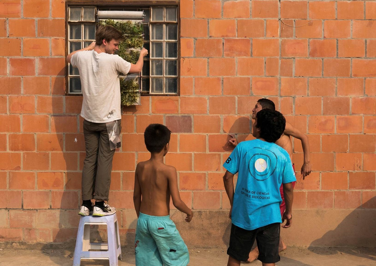 Manaus_Amazonas_planter_byggemateriale_til_busstation_300dpi